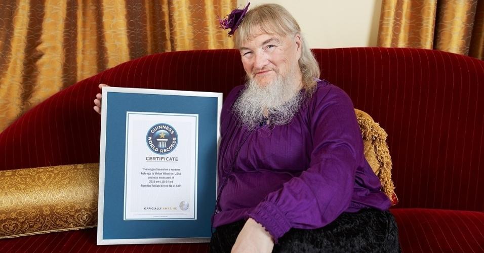 18.set.2013 - Vivian Wheeler, de Oklahoma, nos Estados Unidos, é um dos ícones do Guinness World Recordes por ostentar há 13 anos o título de maior barba feminina do mundo. Ela, que se barbeava desde os 7 anos e passou a deixar a barba crescer, possui 25,5 cm atualmente e entrou novamente para o Livro dos Recordes. Em 2000, quando o recorde foi registrado pela primeira vez, Vivian possuía uma barba de 27,9 cm