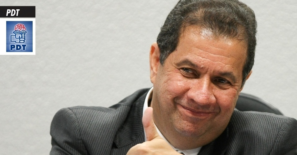 18.set.2013 - PDT (Partido Democrático Trabalhista) - O partido é presidido nacionalmente pelo ex-ministro do Trabalho e Emprego Carlos Lupi (SP; foto), que pediu demissão do governo Dilma em 2011, após suspeitas de irregularidades na pasta. Também faz parte da legenda o ex-ministro da Educação Cristovam Buarque (DF). A sigla também tem sua origem no trabalhismo de Getúlio Vargas e foi criada oficialmente em novembro de 1981. Teve entre seus fundadores Leonel Brizola e Darcy Ribeiro. Em 2012, recebeu R$ 14,4 milhões do Fundo Partidário