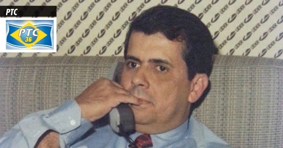 18.set.2013 - PTC (Partido Trabalhista Cristão) - Fundado pelo advogado e atual presidente da legenda, Daniel Tourinho (BA), antigo filiado do PDT, o PTC recebeu registro definitivo no TSE (Tribunal Superior Eleitoral) em fevereiro de 1990. Já teve os nomes de PJ (Partido da Juventude) e PRN (Partido da Reconstrução Nacional). Abrigou em seus quadros artistas como José Mojica Marins (o Zé do Caixão) e o apresentador e estilista Clodovil Hernandes (que foi para o PR, antes de morrer). Em 2012, a sigla recebeu R$ 2 milhões do Fundo Partidário