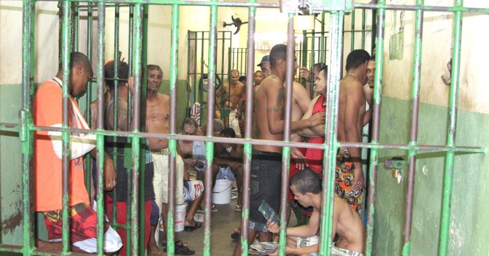 Superlotação em presídio em Pernambuco; problema é recorrente em unidades carcerárias em todo o Estado