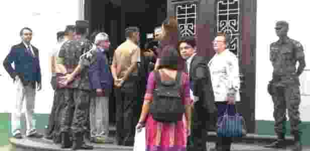 Parlamentares federais da Comissão da Verdade e representantes do Ministério Público visitam o prédio onde funcionava o DOI-Codi - Hanrrikson Andrade/UOL