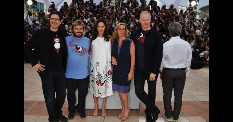 Outro photobomb protagonizado pelo ator Dustin Hoffman, que aparece de costas, durante o Festival de Cannes, França