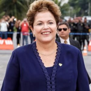 f1dc13b0d Fotos: Dilma repete na ONU look que usou para receber o papa - 24/09 ...