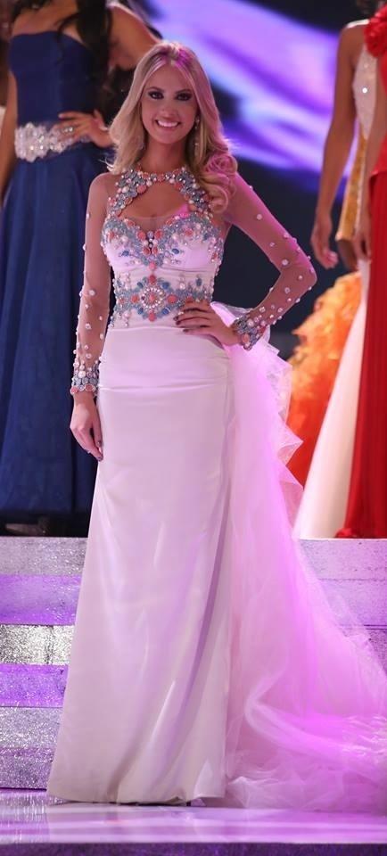 27.set.2013 - Sancler Frantz, a Miss Mundo Brasil 2013, durante ensaio geral para a final do Miss Mundo 2013, que acontece neste sábado (28), com transmissão exclusiva do UOL. A beldade também foi anunciada como a grande vencedora da etapa moda praia (beach fashion), prova que elege o melhor corpo do concurso