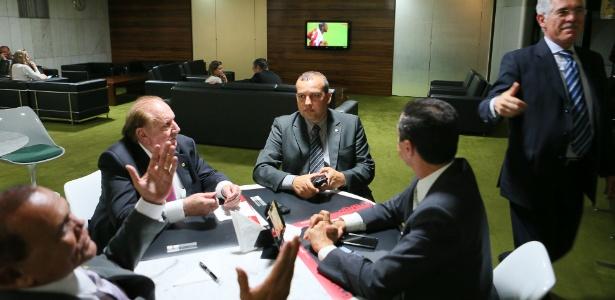 Euripedes Júnior (centro) - Sergio Lima/Folhapress