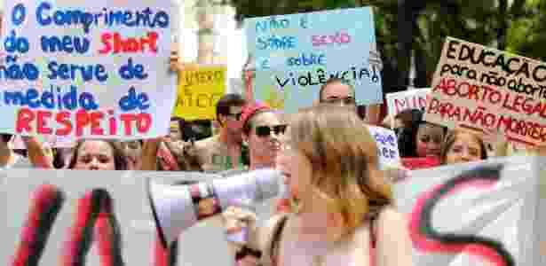 28.set.2013 - Mulheres participam de Marcha das Vadias em Ribeirão Preto (SP) - Luis Cleber/Estadão Conteúdo