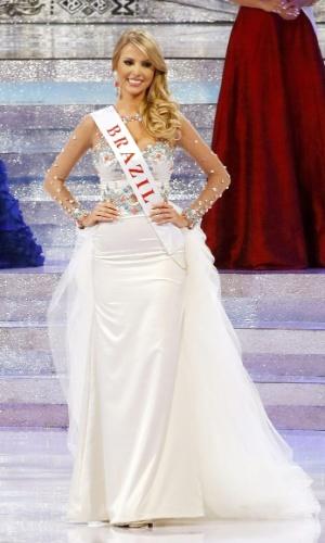 28.set.2013 - Sancler Frantz, Miss Brasil, se apresenta no palco do Miss Mundo 2013 realizado em Bali (Indonésia). O concurso reúne 127 candidatas de várias partes do mundo