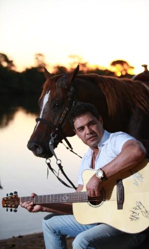 Zezé Di Camargo possui, entre os mais de 500 animais da fazenda É o Amor, três vacas que valem R$ 1,5 milhão no mercado