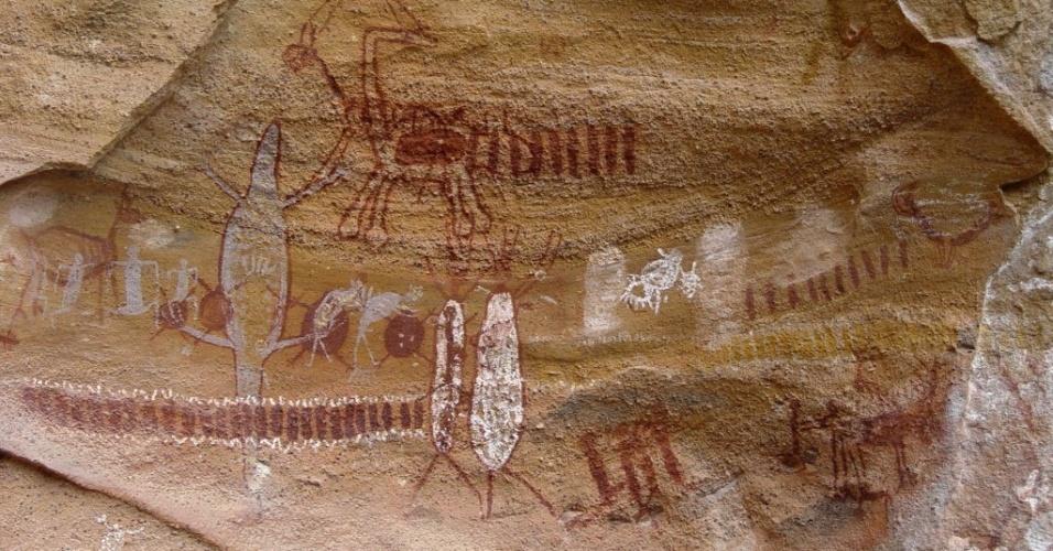 2.out.2013 - As escavações na Serra da Capivara, no Piauí, ajudaram a questionar a teoria tradicional de que o homem teria chegado das Américas há mais de 10 mil anos, vindo da Ásia, cruzando o estreito de Bering rumo ao Alasca durante a baixa do nível do mar na Era Glacial