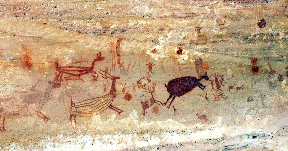 2.out.2013 -As primeiras descobertas na Serra das Capivaras foram de pinturas rupestres que representam animais, corpos celestes e cenas de caça, guerra e até sexo, além de cerâmicas e artefatos de pedra