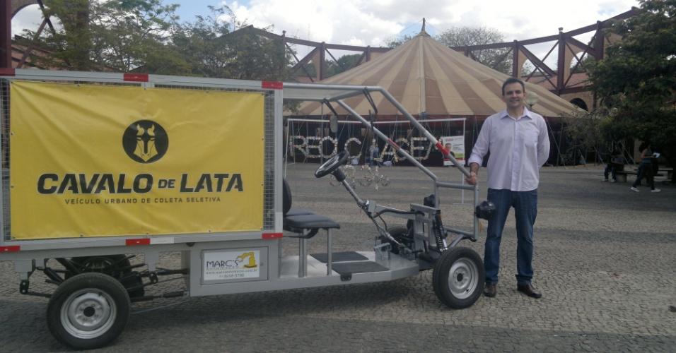 Cavalo de lata, criado pelo engenheiro Jason Duani Vargas para catadores