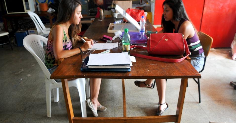 Móveis Modernos de Jacarandá ? Projeto quer resgatar história da UnB por meio da arquitetura