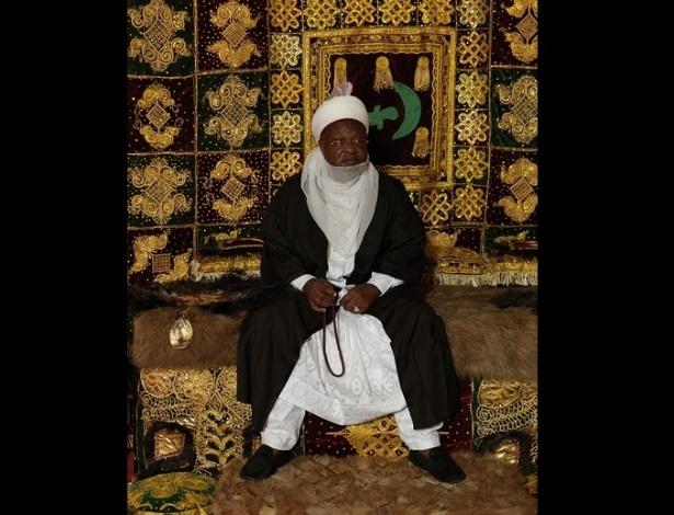 Acima está sua alteza Alhaji Abdulmumini Kabir Usman, o emir de Katsina. Não há estatísticas oficiais sobre o número de reis atualmente, mas a estimativa é de que exista ao menos um rei para cada tribo