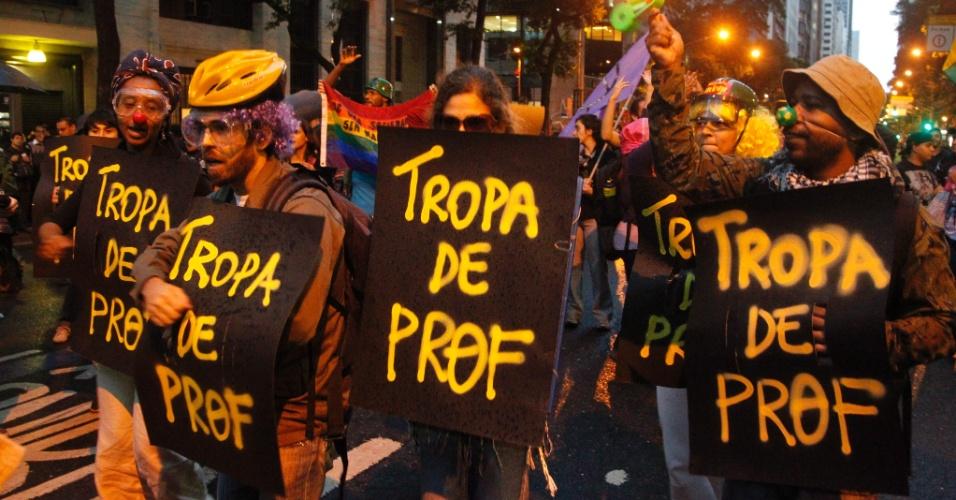 7.out.2013 - Manifestantes formam a