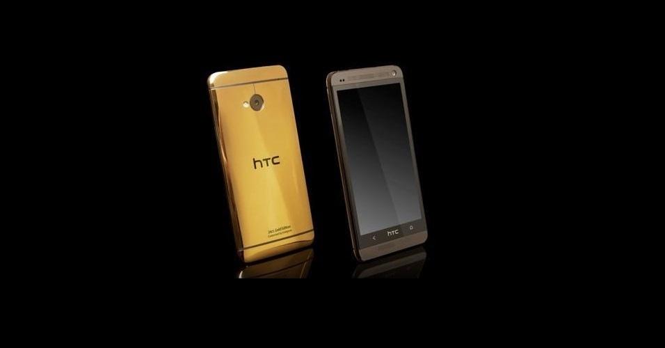 09.out.2013 - Depois da Apple e da Samsung lançarem aparelhos dourados, o smartphone HTC One entrou nessa onda e ganhou uma versão banhada a ouro (diferente dos rivais, que são apenas pintados). O produto é oferecido pela loja de artigos de luxo Goldgenie e custa 1.579 libras (R$ 5.542)