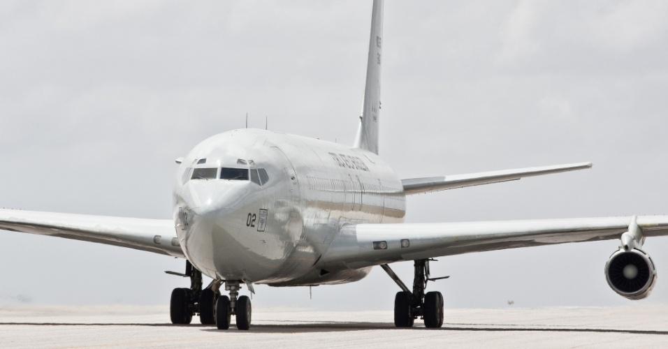 Chegada da aeronave KC-137 da Força Aérea Brasileira que foi aposentado