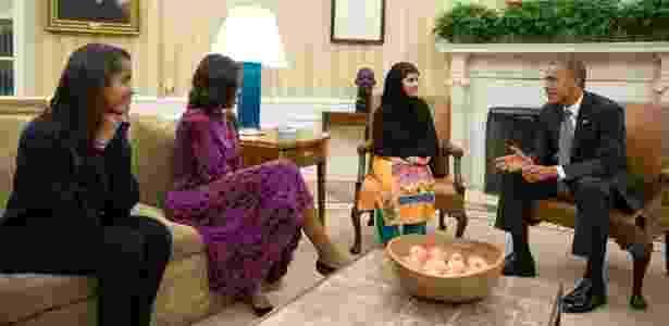 Michelle e Barack Obama recebem Malala Youszafai na Casa Branca, em 2013 - Pete Souza/AFP - Pete Souza/AFP