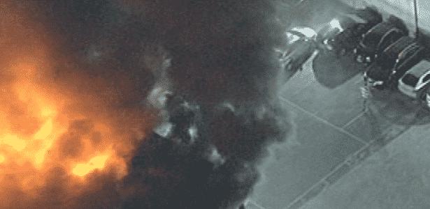 Fogo atinge loja na alameda Barão de Limeira - Reprodução