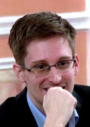 Edward Snowden em imagem de vídeo divulgado pelo Wikileaks em outubro - AFP