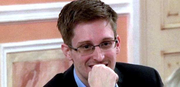 """Snowden (foto) """"usava seu computador o dia todo e a noite toda"""", diz mulher que acolheu o ex-técnico da NSA"""