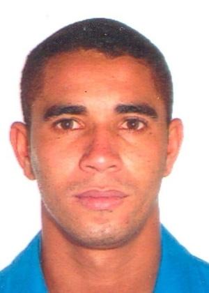 16.out.2013 - Gabriel Fabiano de Souza, 31, é procurado por tráfico internacional de drogas