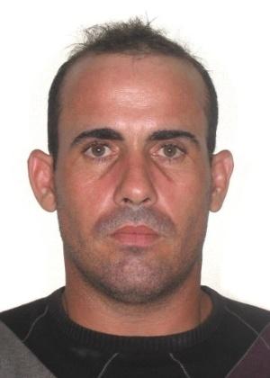 16.out.2013 - Sérgio Ricardo Araujo Aguiar, 32, nascido em Salvador, é procurado por roubo agravado por morte