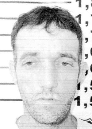 16.out.2013 - Vanderlei Varotto, 43, nascido em Paiçandu, Paraná, procurado por tráfico internacional de drogas e falsificação de documentos públicos