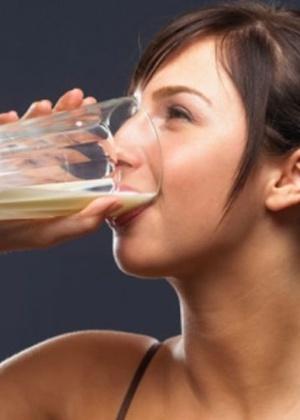 Leite e derivados são fonte de cálcio, vitamina A, B1, B2, D e fósforo
