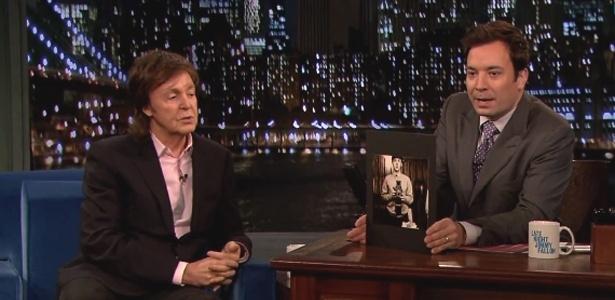 Paul McCartney diz ser o inventor das modas do 'photobomb' e autorretrato