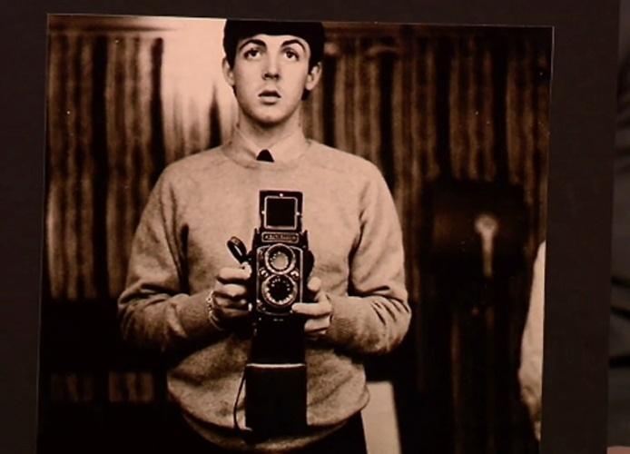 O ex-beatle Paul McCartney, em entrevista ao apresentador norte-americano Jimmy Fallon, disse que a foto acima é uma 'prova' de que ele criou a moda dos selfies (termo em inglês para autorretratos)