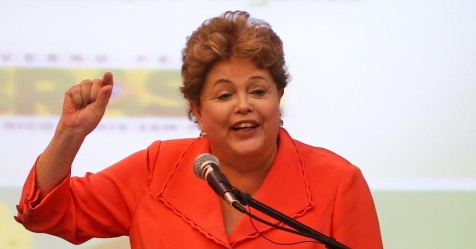 17.out.2013 - A presidente Dilma Rousseff participa do lançamento do Plano Brasil Agroecológico na 2ª Conferência Nacional de Desenvolvimento Rural Sustentável e Solidário, em Brasília. O público-alvo é formado por agricultores, assentados da reforma agrária e povos tradicionais, como indígenas e quilombolas