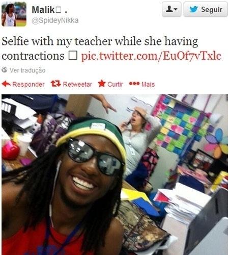 21.out.2013 - Um estudante nos Estados Unidos levou ao extremo a moda dos autorretratos (também chamados selfies). Identificado apenas como Malik (@spideynikka), ele publicou no Twitter uma foto que mostra, ao fundo, uma professora grávida tendo contrações