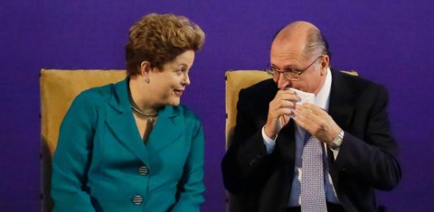 A presidente Dilma Rousseff (PT) e o governador Geraldo Alckmin (PSDB) anunciam investimentos em ligação de trem até Cumbica