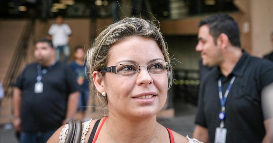 26.out.2013 - Candidatos deixam local de prova na Barra Funda, São Paulo, no primeiro dia do Enem. Joziene Rosa, 29, foi uma das primeiras