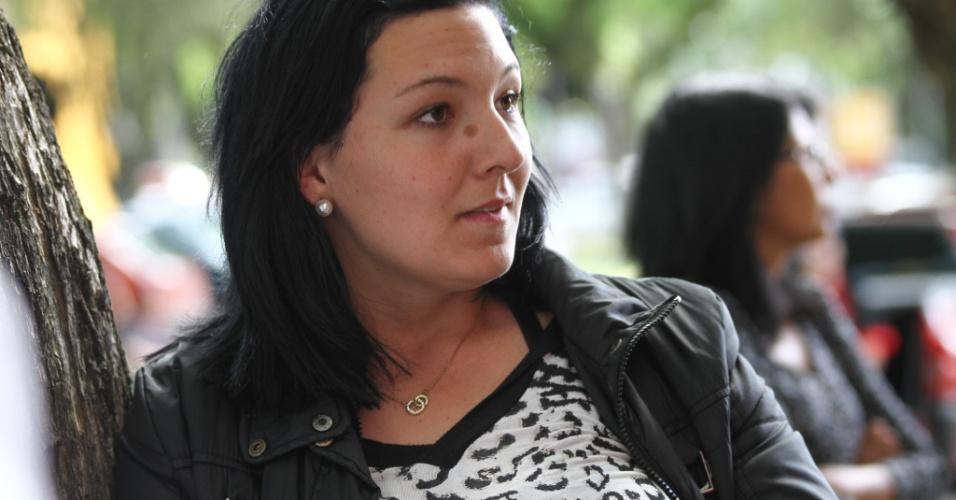 26.out.2013 - Elly Muller, 18, aposta que as manifestações serão o tema da prova de redação do Exame Nacional do Ensino Médio (Enem) na PUC, em Curitiba