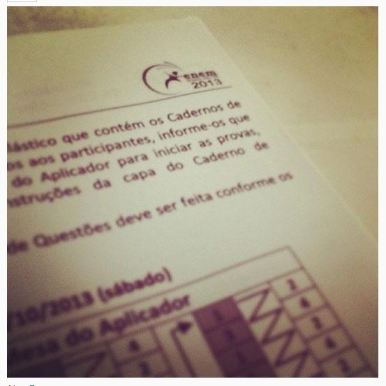 Neste ano, candidatos do Enem voltaram a publicar fotos da prova nas redes sociais. Segundo a assessoria de imprensa do Inep, 36 candidatos foram identificados e eliminados do exame nacional