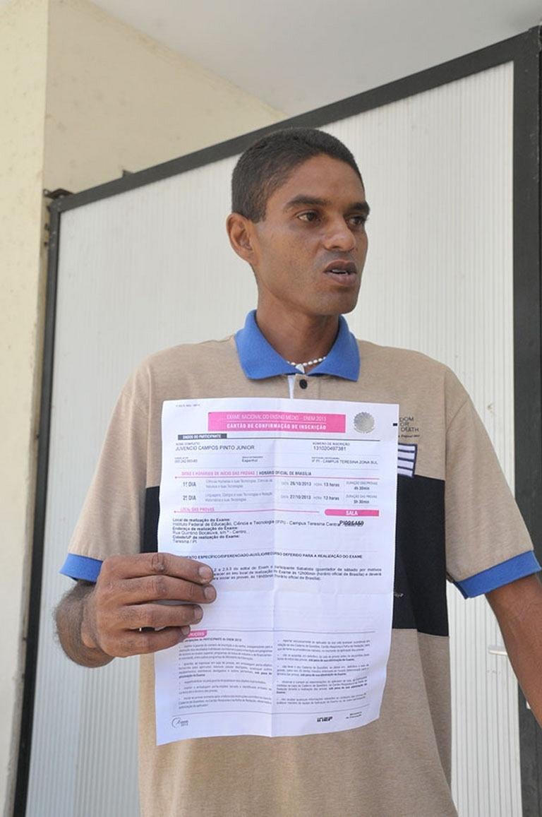 Juvênio Pinto Junior também desistiu de fazer o Enem por um equívoco que ele era sabatista e teria de esperar às 18h para começar a responder as provas do primeiro dia do Enem em Teresina