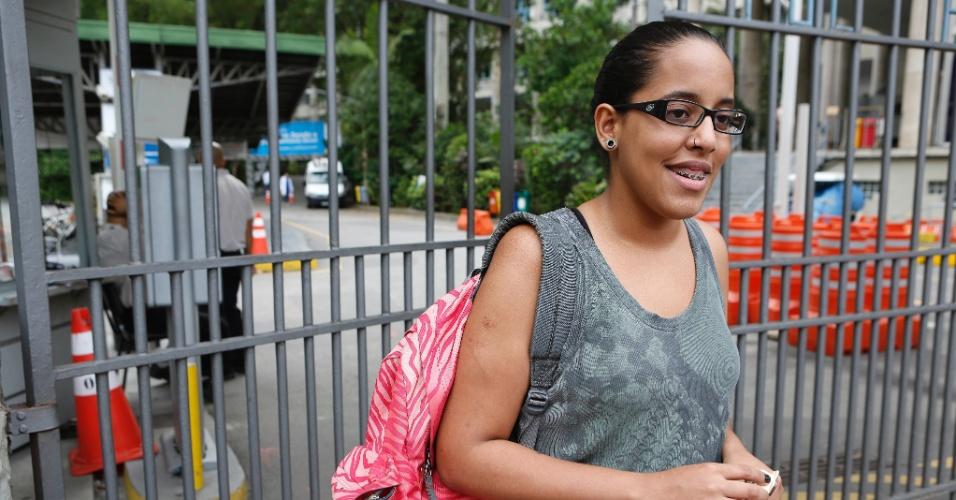 27.out.2013 - A candidata Camila Graziela, 18, quer fazer turismo e achou o segundo dia do Enem (Exame Nacional do Ensino Médio) 2013 tranquilo. Ela fez as provas na PUC-Rio