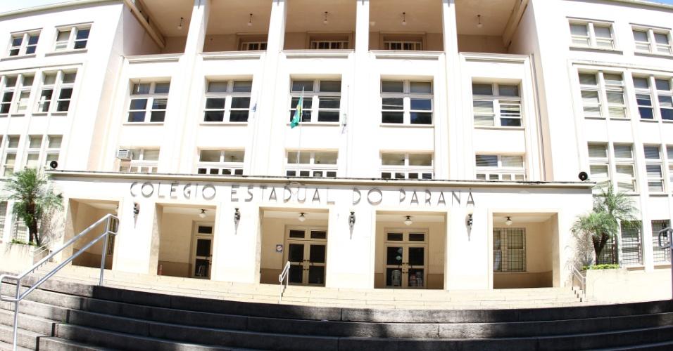 27.out.2013 - Candidatos fazem o segundo dia de provas do Enem neste domingo. No Colégio Estadual do Paraná o clima era de tranquilidade