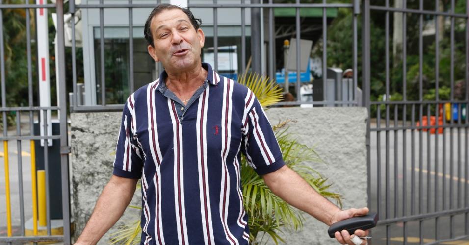 27.out.2013 - Carlos Figueiredo, 57, fez o Enem (Exame Nacional do Ensino Médio) 2013 na PUC-Rio e quer entrar no curso de engenharia