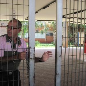 Os portões da Unaerp, um dos locais de prova do Enem em Ribeirão Preto (SP) foram abertos pontualmente às 12h neste domingo - José Bonato/UOL