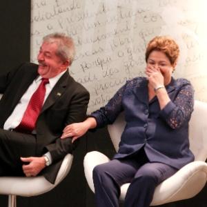 O ex-presidente Lula participa, ao lado da presidente Dilma Rousseff, de evento de comemoração dos 10 anos do programa Bolsa Família, no Museu da República em Brasília - Pedro Ladeira/Folhapress
