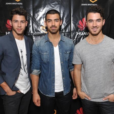 Nick Jonas, Joe Jonas e Kevin Jonas, da banda Jonas Brothers - John Shearer/Invision for Huawei
