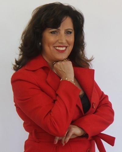 A empresária Rosana Marques, dona da loja de lingeries Ousese, resolveu investir em uma linha para mulheres mastectomizadas para elevar a auto estima de quem passou por esse tipo de cirurgia