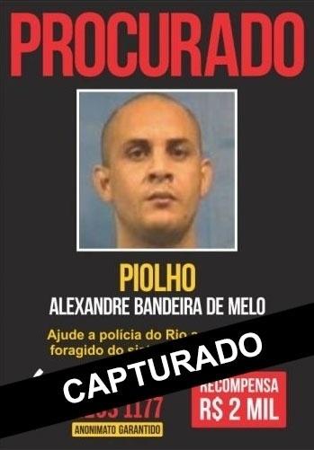 """Chefe do tráfico no Complexo do Dezoito e no Morro do Saçú, Alexandre Bandeira de Melo é o """"Piolho do 18"""". A idade dele não foi informada. Em 31 de outubro de 2013, ao menos quatro criminosos armados com fuzis entraram no Fórum de Bangu para tentar resgatar o preso, que participava de audiência no local. """"Piolho"""" responde pelos crimes de homicídios, porte ilegal de arma, roubo e tráfico de drogas"""