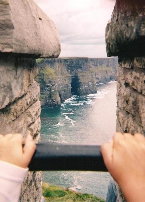 5.nov.2013 - Essa pessoa não está segurando uma fotografia. Pode não parecer, mas a paisagem é de verdade
