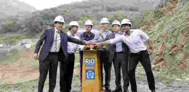 O então governador do Rio, Sérgio Cabral, e o prefeito Eduardo Paes participam de cerimônia de contagem regressiva para as Olimpíadas - Shana Reis 8.nov.2013/Governo do Estado do Rio de Janeiro