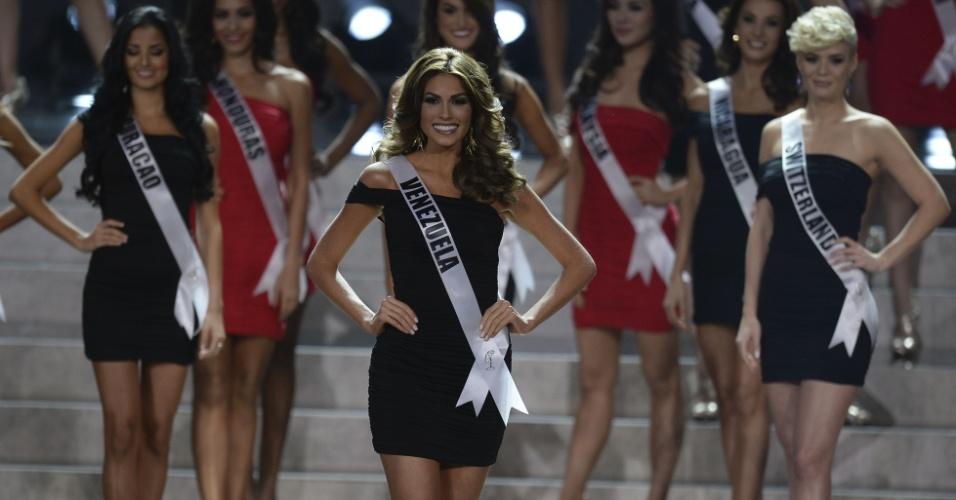 9.nov.2013 - A miss Venezuela Gabriela Isler faz pose durante o início do Miss Universo 2013, vencido por ela neste sábado, em Moscou, na Rússia