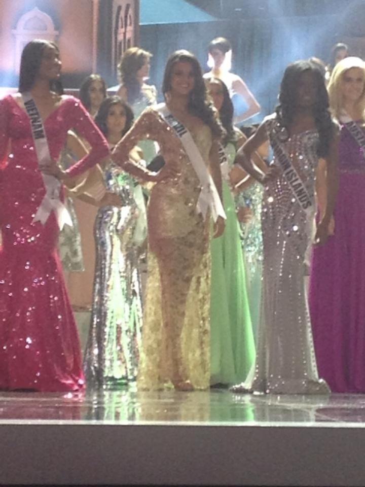 9.nov.2013 - Miss Brasil 2013, Jakelyne Oliveira, durante ensaio final para o Miss Universo, que acontece neste sábado