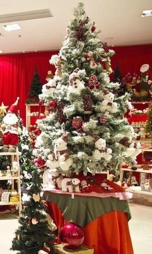 Artigos natalinos da loja Natal & Art, em São Paulo (SP)